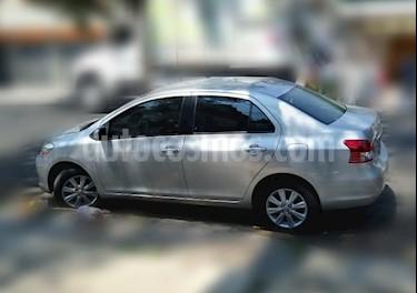 Toyota Yaris Sedan Premium Aut usado (2015) color Plata precio $135,000