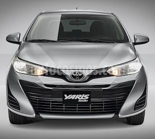 Toyota Yaris Sedan S nuevo color Blanco precio $260,700