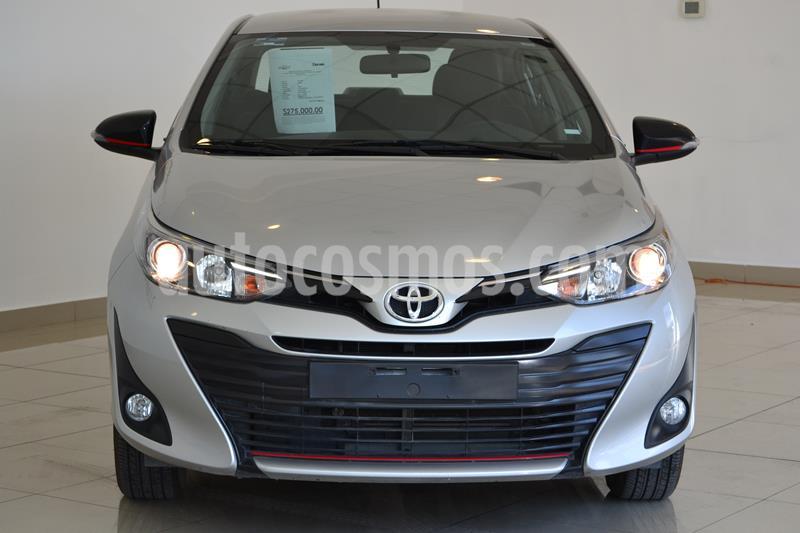 Foto Toyota Yaris Sedan S usado (2020) color Plata precio $275,000