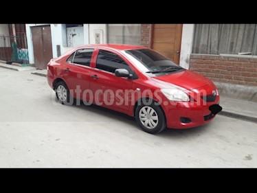 Toyota Yaris Sedan 1.3 usado (2010) color Rojo precio u$s8,700
