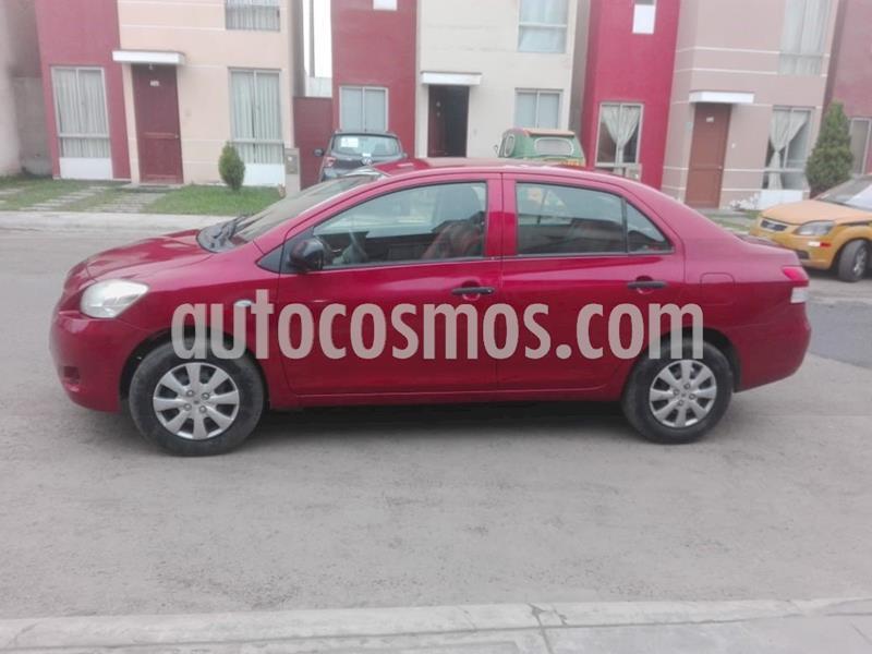 Toyota Yaris Sedan 1.3L usado (2011) color Rojo Metalizado precio u$s7,500