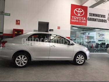 Foto venta Auto Seminuevo Toyota Yaris Sedan Premium (2012) color Plata precio $118,000