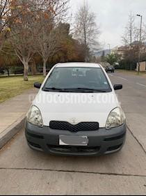 Foto Toyota Yaris Sport 1.3 XLi 3P usado (2005) color Blanco precio $2.400.000