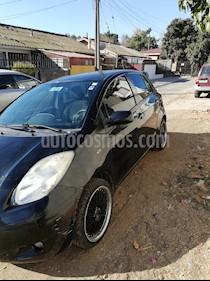 Toyota Yaris Sport 1.3 XLi 5P usado (2011) color Negro precio $4.000.000
