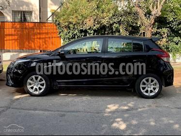 Toyota Yaris Sport 1.5 GLE usado (2015) color Negro precio $6.600.000