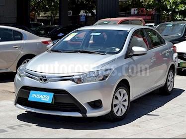 Toyota Yaris 1.5 GLi E Aut usado (2016) color Plata precio $7.990.000
