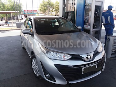 Foto venta Auto usado Toyota Yaris 1.5 GLi E  (2018) color Gris precio $8.290.000