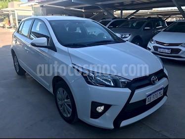 Foto Toyota Yaris 1.5 S CVT usado (2017) color Blanco precio $790.000