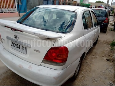 Toyota Yaris 1.5 XLi  usado (2006) color Blanco precio $1.800.000