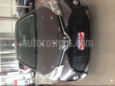 Foto venta Auto Seminuevo Toyota Yaris 3P 1.3L (2016) color Acero precio $173,000