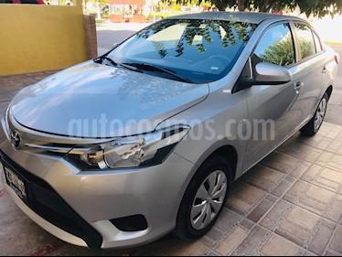 Toyota Yaris 5P 1.5L Core Aut usado (2017) color Plata precio $195,000