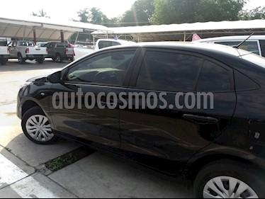 Foto venta Auto Seminuevo Toyota Yaris 5P 1.5L Core (2018) color Negro
