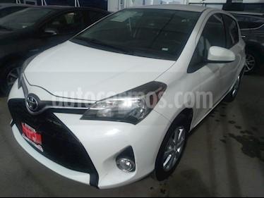 Foto venta Auto Seminuevo Toyota Yaris 5P 1.5L Core (2015) color Blanco precio $179,000