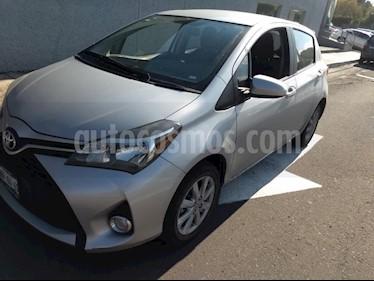 Foto venta Auto Seminuevo Toyota Yaris 5P 1.5L Premium Aut (2015) color Plata precio $185,000