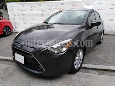 Foto venta Auto usado Toyota Yaris 5P 1.5L Premium Aut (2016) color Gris precio $182,000