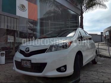 Foto venta Auto usado Toyota Yaris 5P 1.5L Premium Aut (2013) color Blanco precio $165,000