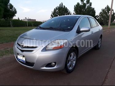 Toyota Yaris 5P 1.5L Premium usado (2008) color Plata precio $98,000