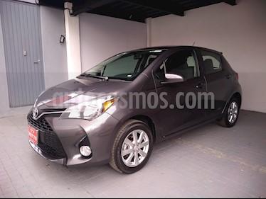 Foto venta Auto usado Toyota Yaris 5P 1.5L Premium (2016) color Gris precio $198,000