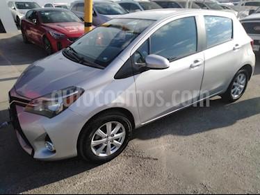 Foto venta Auto Seminuevo Toyota Yaris 5P 1.5L Premium (2015) color Plata precio $164,000