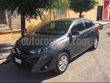 Toyota Yaris 5P 1.5L S Aut usado (2018) color Gris precio $225,000