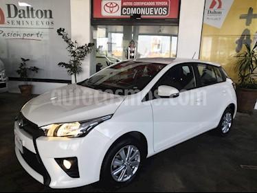 Foto venta Auto Seminuevo Toyota Yaris 5P 1.5L S Aut (2017) color Blanco precio $219,000