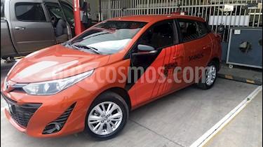 Foto venta Auto Seminuevo Toyota Yaris 5P 1.5L S Aut (2019) color Naranja precio $260,000