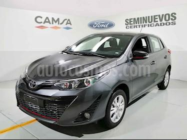 Foto Toyota Yaris 5P 1.5L S Aut usado (2018) color Gris precio $234,500