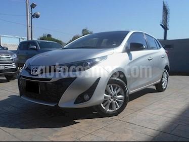 Foto venta Auto usado Toyota Yaris 5P 1.5L S Aut (2019) color Plata precio $259,500