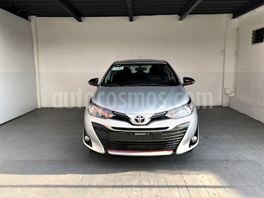 Foto venta Auto usado Toyota Yaris 5P 1.5L S (2018) color Plata precio $235,000
