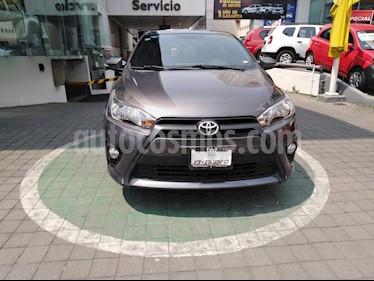 Foto venta Auto usado Toyota Yaris 5P 1.5L S (2017) color Gris precio $205,000