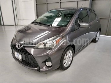 foto Toyota Yaris 5p Hatchback Premium L4/1.5 Aut usado (2015) color Gris precio $170,000