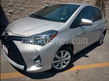 Foto venta Auto usado Toyota Yaris 5p Hatchback Premium L4/1.5 Aut (2016) color Plata precio $205,000