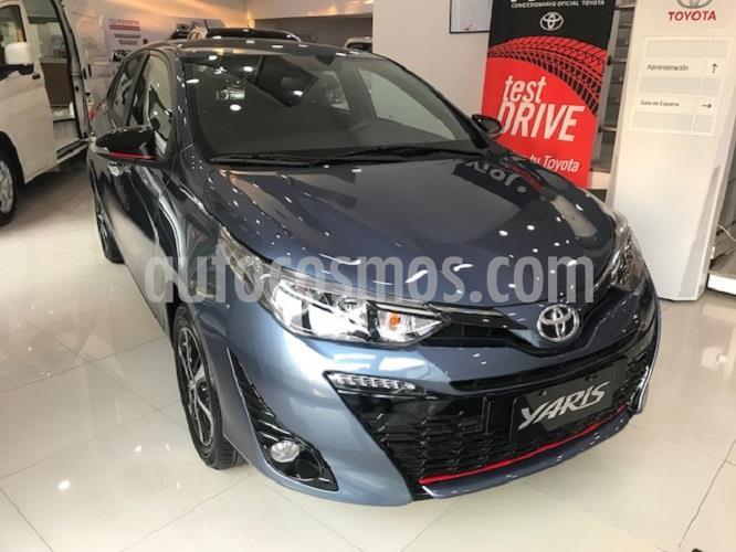 Toyota Yaris 1.5 S CVT nuevo color Azul Medianoche precio $1.555.800