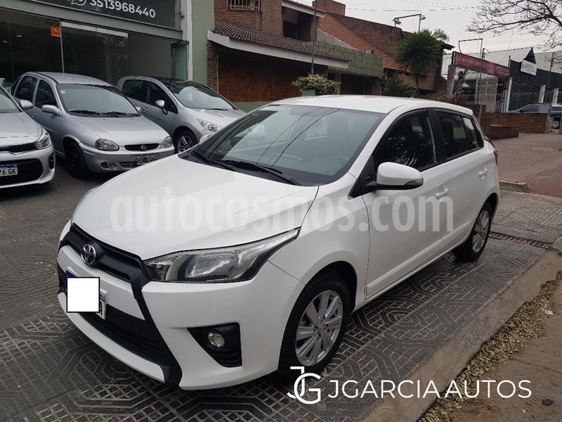 Toyota Yaris 1.5 S CVT usado (2017) color Blanco precio $975.000