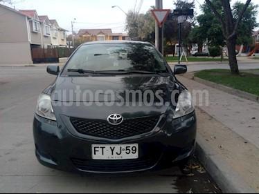 Toyota Yaris 1.5 XLi Aut  usado (2013) color Gris precio $6.500.000