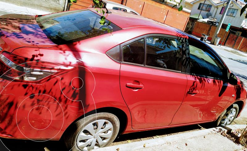 Toyota Yaris 1.5 XLi  usado (2014) color Rojo precio $6.800.000