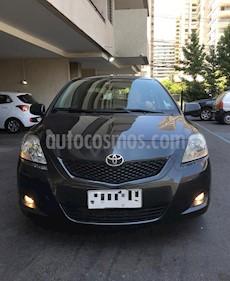 Toyota Yaris 1.5L GLi Aut  usado (2011) color Gris precio $5.400.000
