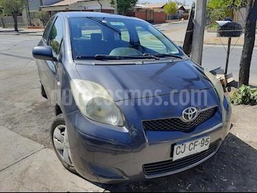 Toyota Yaris 1.5 GLi  usado (2010) color Gris Oscuro precio $3.990.000
