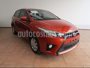 Toyota Yaris 3P 1.3L usado (2017) color Naranja precio $215,000
