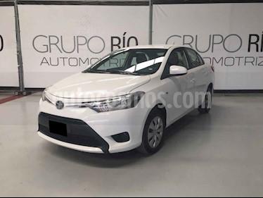 Toyota Yaris Core Aut usado (2017) color Blanco precio $179,800