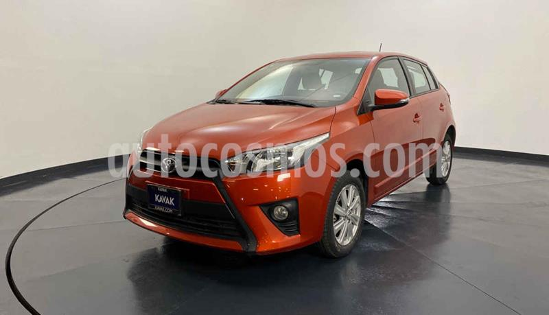 Toyota Yaris 5P 1.5L S Aut usado (2017) color Naranja precio $207,999