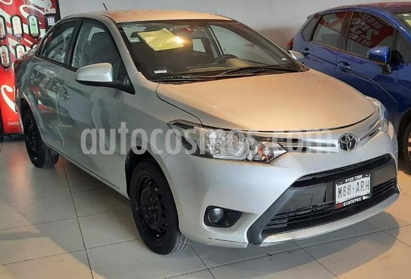 Toyota Yaris 5P 1.5L Core usado (2017) color Plata precio $158,000