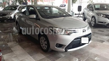 Foto Toyota Yaris 4p Sedan Core L4/1.5 Man usado (2017) color Plata precio $173,000