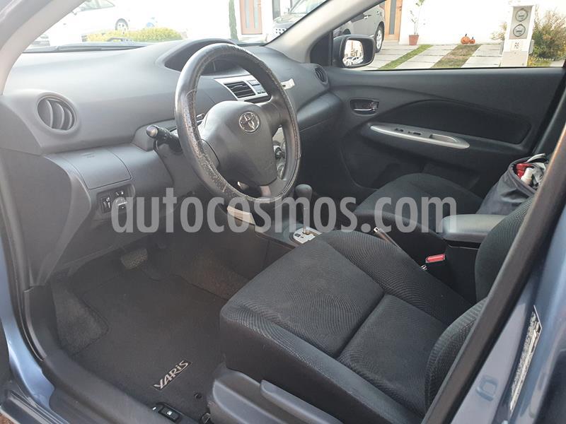 Toyota Yaris 5P 1.5L Premium Aut usado (2016) color Azul precio $149,960
