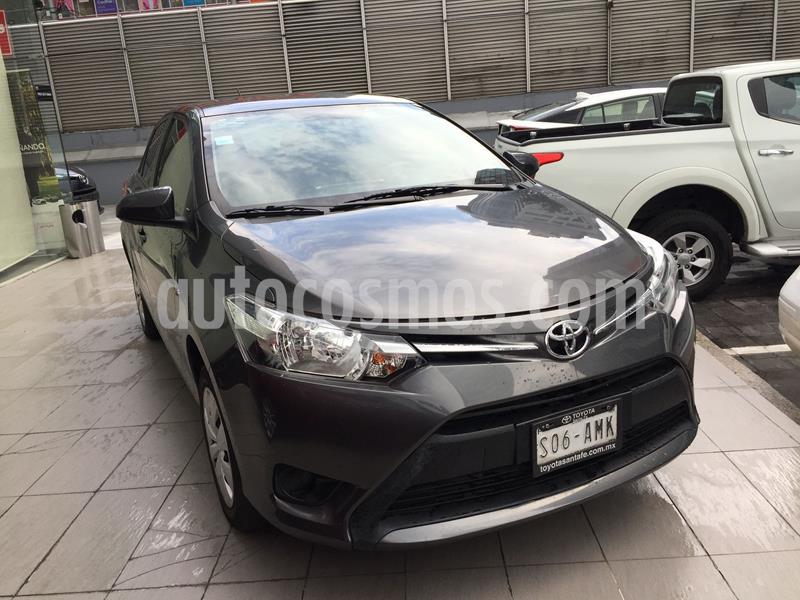 Toyota Yaris 5P 1.5L Core usado (2017) color Plata Dorado precio $175,000