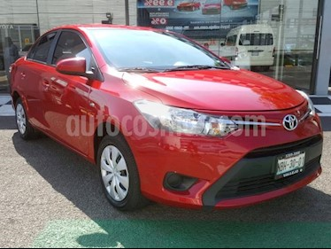Toyota Yaris 5P 1.5L Core usado (2017) color Rojo precio $188,000
