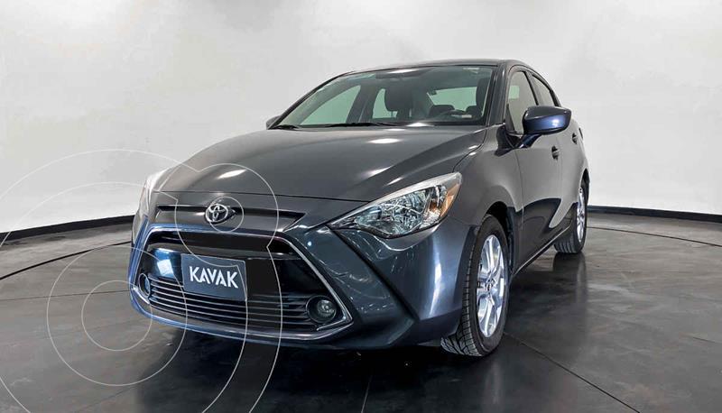 Toyota Yaris LE usado (2016) color Plata precio $194,999