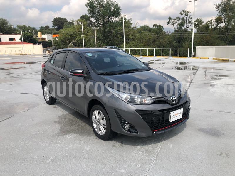Toyota Yaris 3P 1.3L Sol usado (2019) color Gris precio $235,001