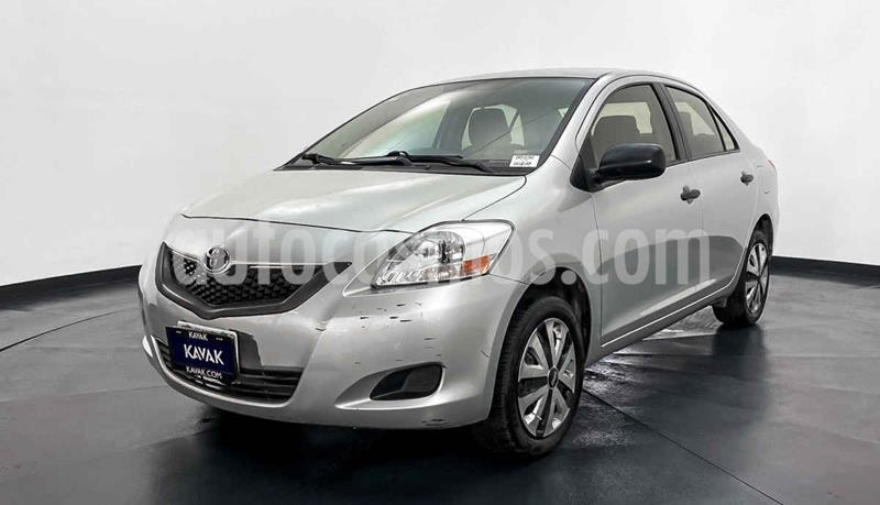 Toyota Yaris Core Aut usado (2015) color Plata precio $149,999