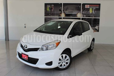 Toyota Yaris 5p Hatchback Core L4/1.5 Man usado (2014) color Blanco precio $145,000